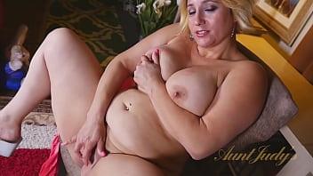 AuntJudys - Busty 40yo Blonde Bombshell Mrs.Jewels (AJ Classics) 14 min