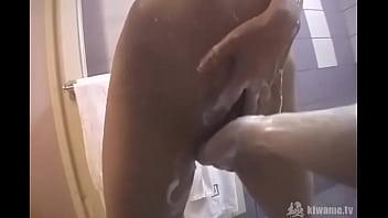 さやかちゃん19歳お風呂場でHなことしちゃいました!