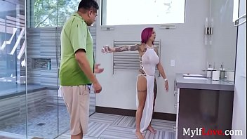 Getting The MILF into The Mood- Anna Bell Peaks