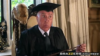 Hot porn parody Hairy Punter and His Enormous Boner A porn parody - (Tarra White, Danny D) - Brazzers thumbnail