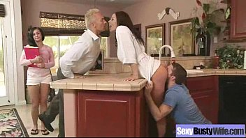 Sex In Front Of Cam With Big Round Tits Mommy (kendra lust) movie-20