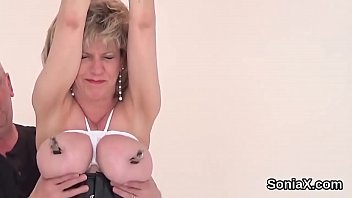 Streaming Video Adulterous english mature gill ellis shows her big melons - XLXX.video