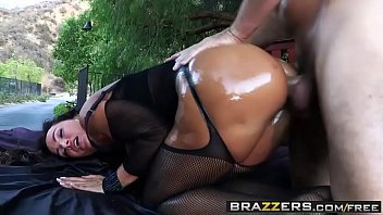 Brazzers - Big Wet Butts - Wet Dream scene starring Lisa Ann and Manuel Ferrara