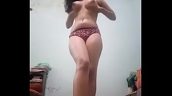 India sexier girl showing herself to the world