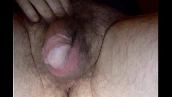 Person with ambiguous genitalia fucks own pussy