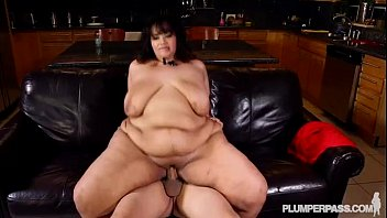 Sexy SSBBW Takes Selfies and Fucks New Latino Hunk BF