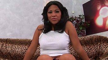 Chunky Latina Cassandra Cruz Has Her Pussy Pounded
