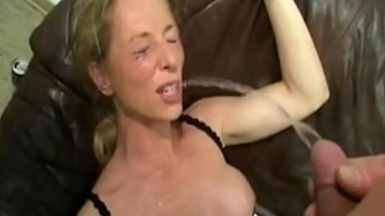 Mommys love piss 2