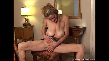 Skanky old spunker fucks her soaking wet pussy thumbnail