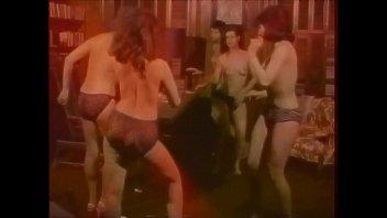 Quand les filles hippies dansaient à poil...