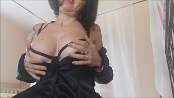 step mom know how is strong to be a man....2 hot anal adventure صورة