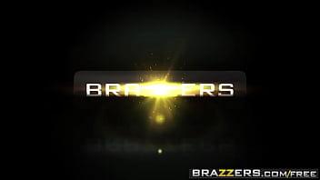 Brazzers Exxtra - (Kayla Kayden, Charles Dera) - não toque nela 3