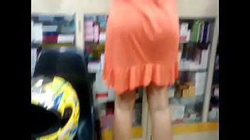 Big Booty pawg milf in orange dress from hotpornocams.com