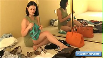 Sexy natural busty teen brunette amateur Tracy reveal her sexy body while she tries a few clothes