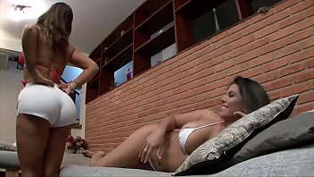 ANGEL LIMA E FABIANE THOMPSON TROCANDO SEXO ORAL NO SOFÁ