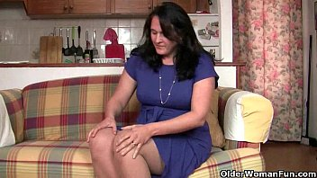 British mom in pantyhose fucks a dildo