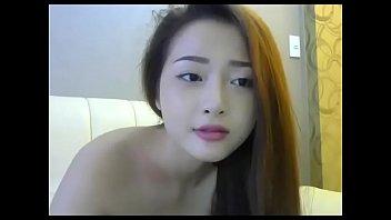Cute Asian wants to showing cumming