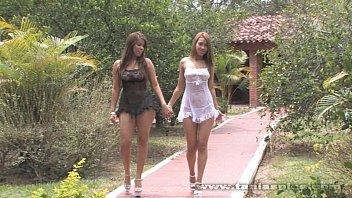 Tania raymonde xxx - Tania con una amiga