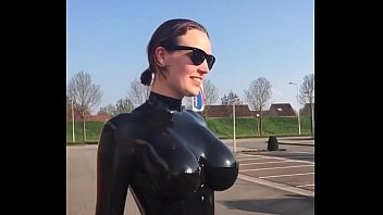 Bald in latex woman - Woman in latex