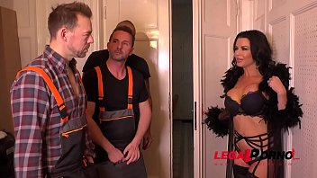 Luxury Sex addict Veronica Avluv gets a Double anal Gangbang for Dinner FS036