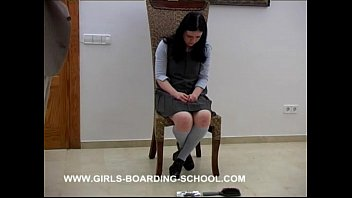Pissing board 0437 - emma - stupid girl