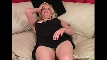 Yanks Blondie Theresa Russell Masturbates