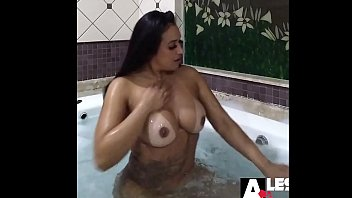 Getting ready in the bathtub for you - Alessandra Marques