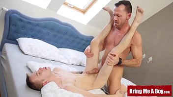 """BRINGMEABOY Daddy Dave London Fucks Young Blond After 69 <span class=""""duration"""">7 min</span>"""