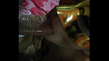 Mi novia me la chupa muy rico con su boquita chiquita