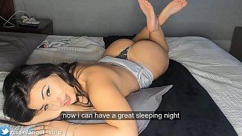 Ragazza impertinente in mostra webcam fidanzata dispettosa esibizionismo webcam culo grosso culona camgirl