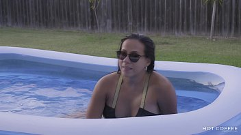 Super sexy Puerto Rican couple have passionate sex outside in the heat of Texas