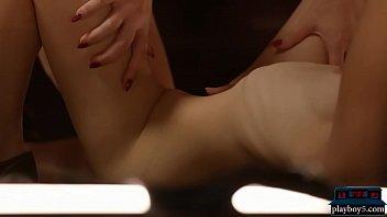 Fitness babes get naked during their tough abs workout Vorschaubild