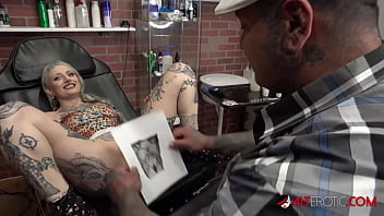 River Dawn Ink sucks cock after her new pussy tattoo 10分钟