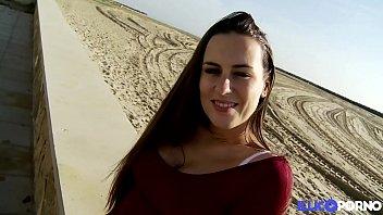 Mea une bombe sexuelle en vacances en Espagne