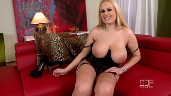 Super busty blonde beauty Angel Wicky enjoys a mind blowing Orgasm