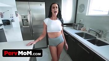 Step mom comes back home drunk and fucks son - 69VClub.Com