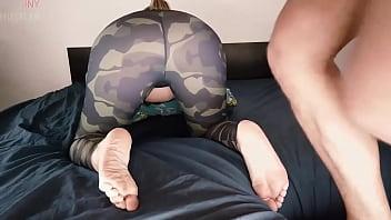 Amateur anal sex for hot slut in leggins