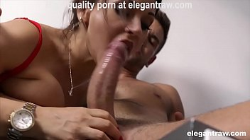 Good morning hardcore quickie for a hot brunette MILF Cougar صورة