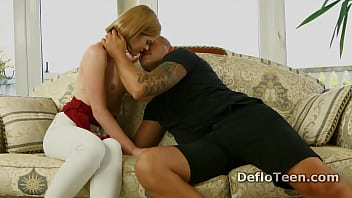 Slim blonde hottie Alexa Glukoza learns how to deep throat