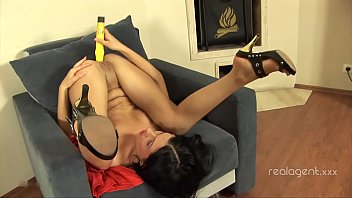 Stunning bitch Sasha Rose inserts big yellow toy deeply inside her asshole
