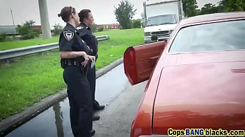 Cops pull suspect over and fuck him out in public
