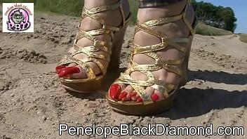 Penelope Black Diamond - Bikini   Leggins & golden High Heels Preview