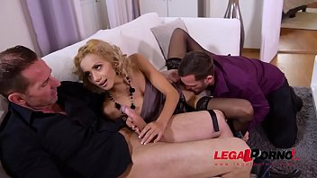 Extra Hardcore double penetration sensation with slim stunner Veronica Leal GP870