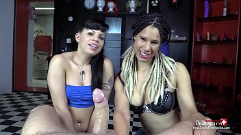 Girls-Duo zeigt scharfen Blowjob   feuchte Spermaspiele -SPM AmandaCarmela TR138 pornhub video