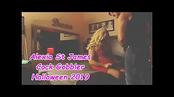 Tranny porn cards - Blonde cock gobbler gets fucked