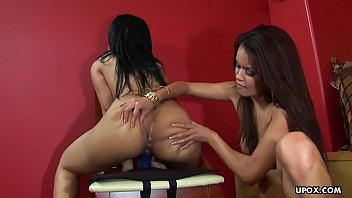 Big ass chicks Daisy Marie and Helena Heirres get busy