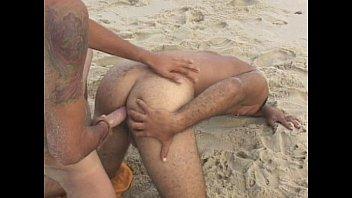 พากันไปเที่ยวทะเลแล้วก็ไปเจอเกย์เหมือนกันที่ชายหาดอัดถั่วดำ