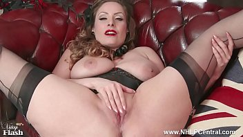 Mature 60 women in nylons - Natural big tits brunette wanks in nylon