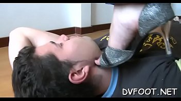 Sexy foot fetisj action with sexy hottie getting feet licked
