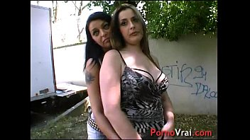 Deux lesbiennes se font baiser et se gouinent !! French amateur